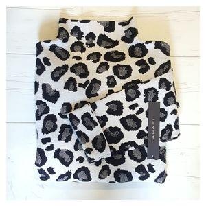 Tahari Leopard Print Sweater    NWT